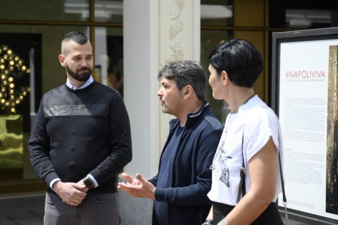 Mauro Thiella, con Francesco Scognamiglio Petino e Sergio Siano che racconta i suoi scatti a La Reggia