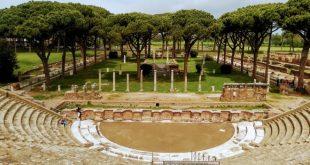 Il teatro romano che ospita Ostia Antica Festival. Foto da Facebook