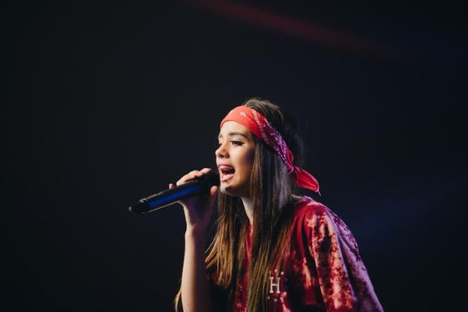 Una delle cantanti a A Voice for Europe