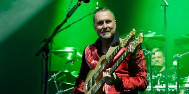 Jonas Reingold: un bassista di lusso per Steve Hackett