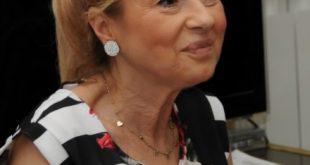 Caterina De Santis, direttrice artistica del Teatro Bracco durante la presentazione del nuovo cartellone