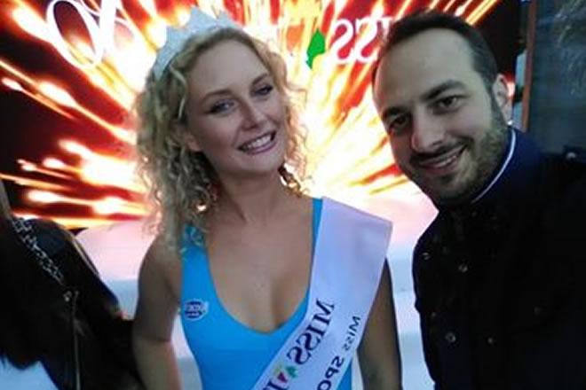 Nella foto Domiziana Cappa, Miss Sport Calabria e Omar Favo, giurato e giornalista de La Gazzetta dello Spettacolo