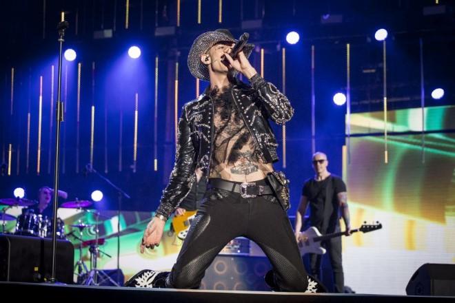 Achille Lauro live ai Music Awards. Foto di Pamela Rovaris