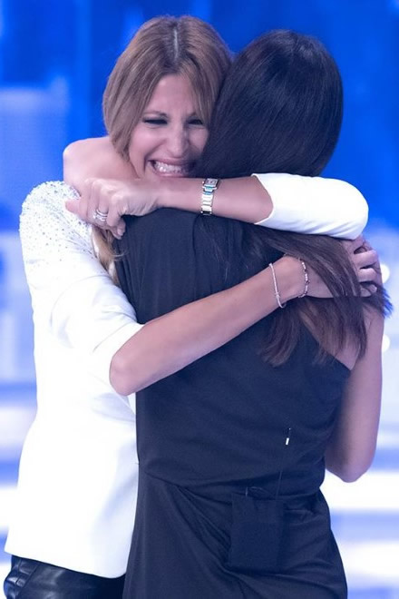 Adriana Volpe abbraccia Silvia Toffanin a Verissimo
