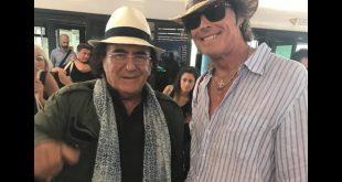Al Bano e Ronn Moss in aeroporto. Foto da Facebook