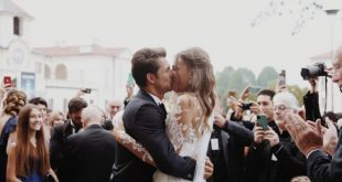 Il bacio tra Cristina Chiabotto e Marco Roscio