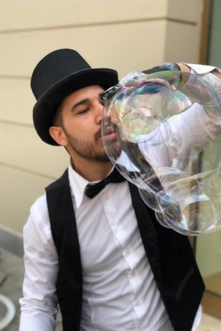 Bubble blower per il Fashion Festival di McArthurGlen