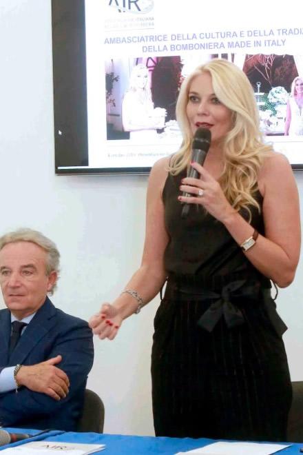 Eleonora Daniele e Luciano Paulillo a Napoli. Foto di Stefano Renna