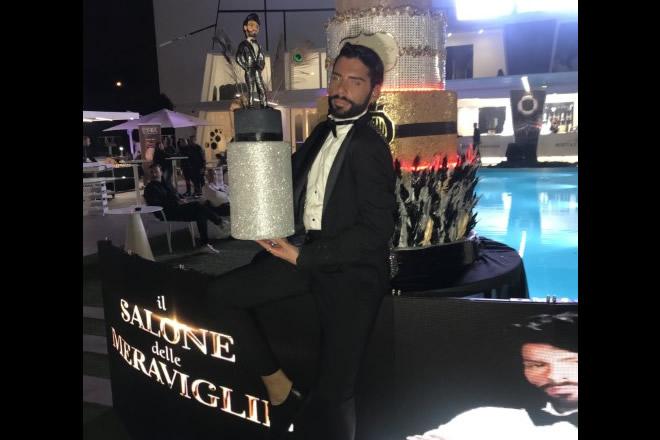 Federico Fashion Style con la sua torta di compleanno