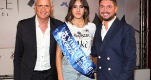 La vincitrice Zeudi Di Palma con Dino e Stefano Piacenti