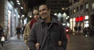 Francesco Di Leva e Miriam Candurro in una foto di scena di Fino ad essere felici
