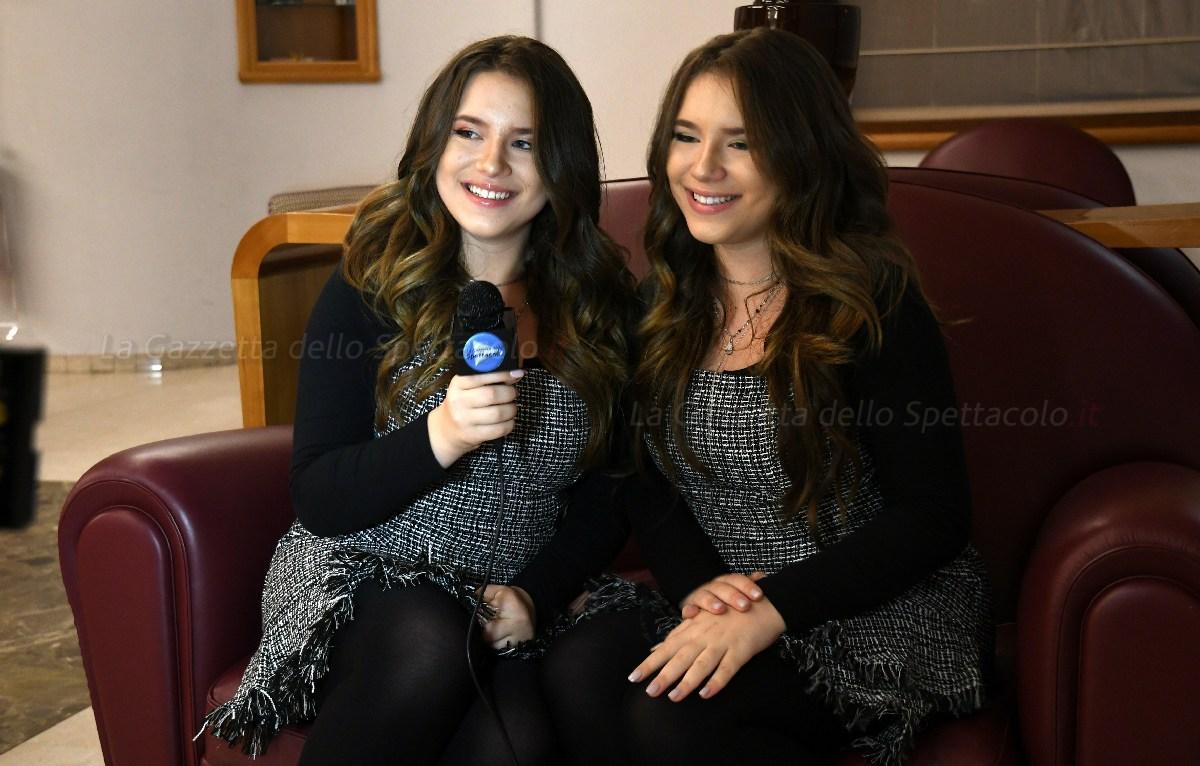 Le gemelle Bianca e Chiara D'Ambrosio per La Gazzetta dello Spettacolo