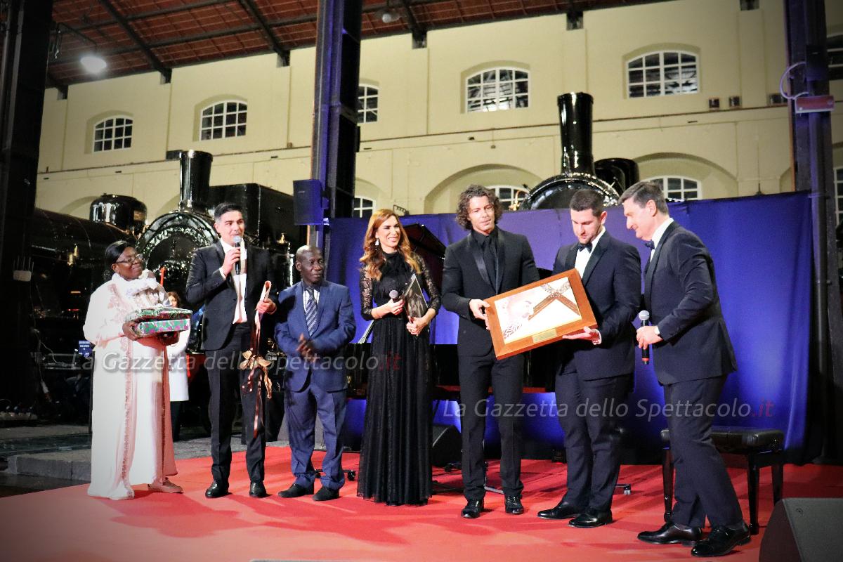 La famiglia Legora con Francesco Testi e Veronica Maya
