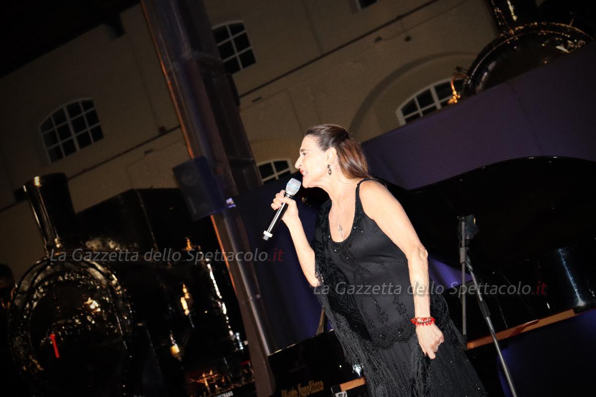 L'esibizione di Lina Sastri