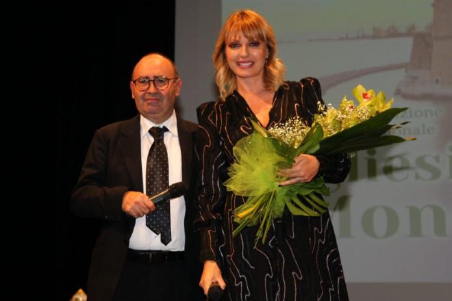 Manila Nazzaro con Giuseppe Cuscito per il Premio Internazionale Pugliesi nel Mondo 2019