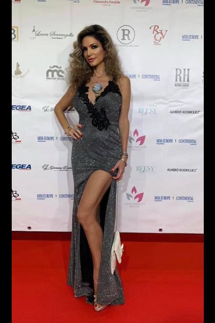 Maria Monsè sul red carpet di Miss Europe Continental 2019