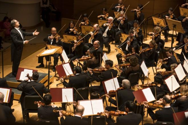 Riccardo Muti con la Chicago Symphony Orchestra. Foto di Todd Rosenberg