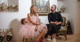 Anna Dello Russo durante l'intervista a Fashion in Star. Foto di Vito Luisi