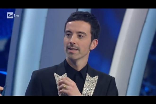 Diodato a Sanremo 2020. Frame da Rai 1 HD