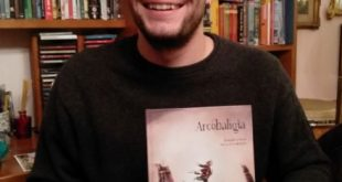 Giovanni Coccia con il libro Arcobaligia
