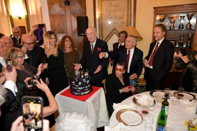 Giuliano Montaldo tra gli amici Paolo Virzì, Micaela Ramazzotti, Francesci Bruni. Foto di Giuseppe Piscitelli