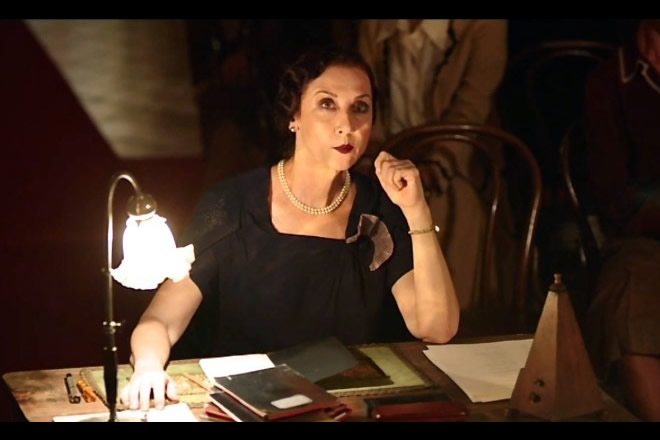 Carmen Giardina in Permette? Alberto Sordi