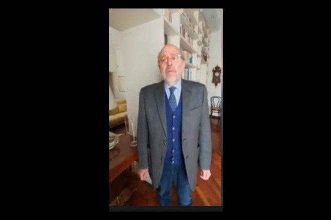 Un frame del video di Arturo De Vivo per la Federico II