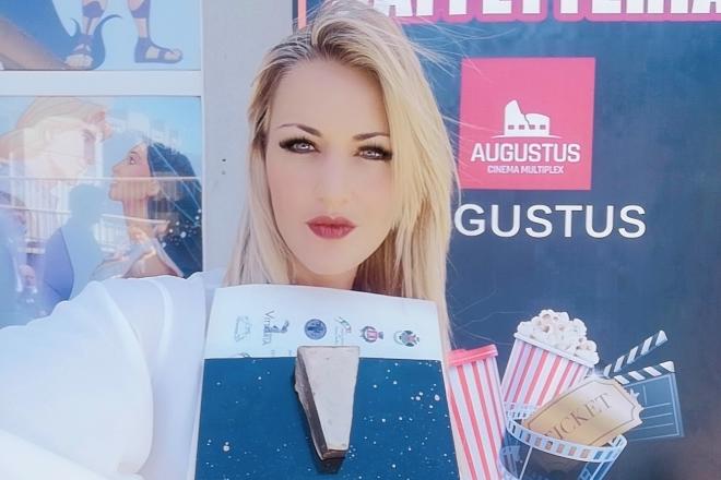 Maria Guerriero riceve il SamPietrino D'Oro Marguttiano