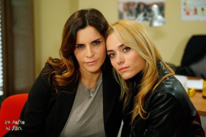 Nadia Carlomagno ed Imma Pirone sul set di Un posto al sole. Foto da Facebook