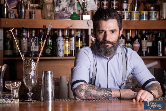 Max La Rosa ideatore del drink La Mandrakata