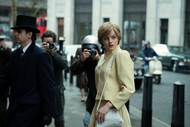 Emma Corrin nel ruolo della Principessa Diana in The Crown 4