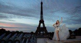 Francesca Dei e la torre Eiffel di Parigi