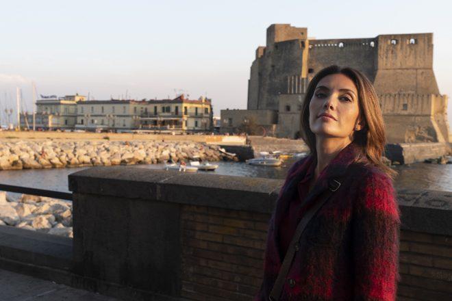 Castel dell'Ovo sul Lungomare di Napoli - Serena Rossi per Mina Settembre