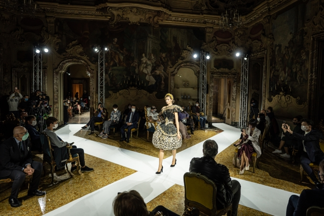 Maquinn Couture, Foto di Wongwannawat
