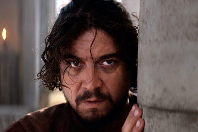 Riccardo Scamarcio in L'Ombra di Caravaggio. Foto di Luisa Carcavale