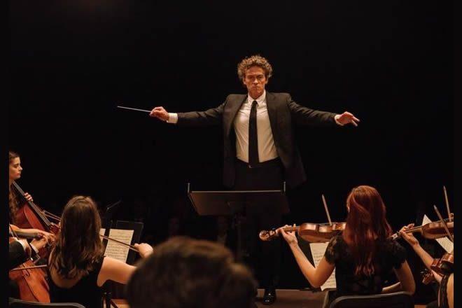 Alessio Boni in una scena di La Compagnia del cigno