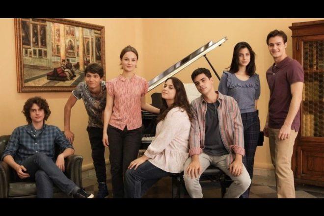 Il cast de La compagnia del Cigno 2. Foto dal Web