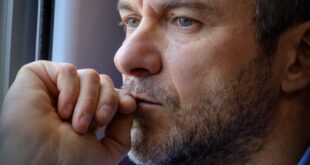 Massimiliano Gallo è Vincenzo Malinconico. Foto di Fabrizio Di Giulio